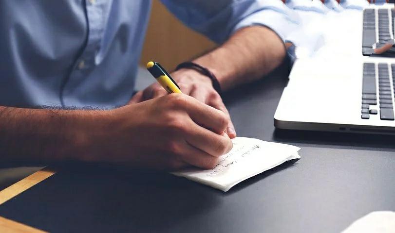 كتابة المحتوى والتدوين